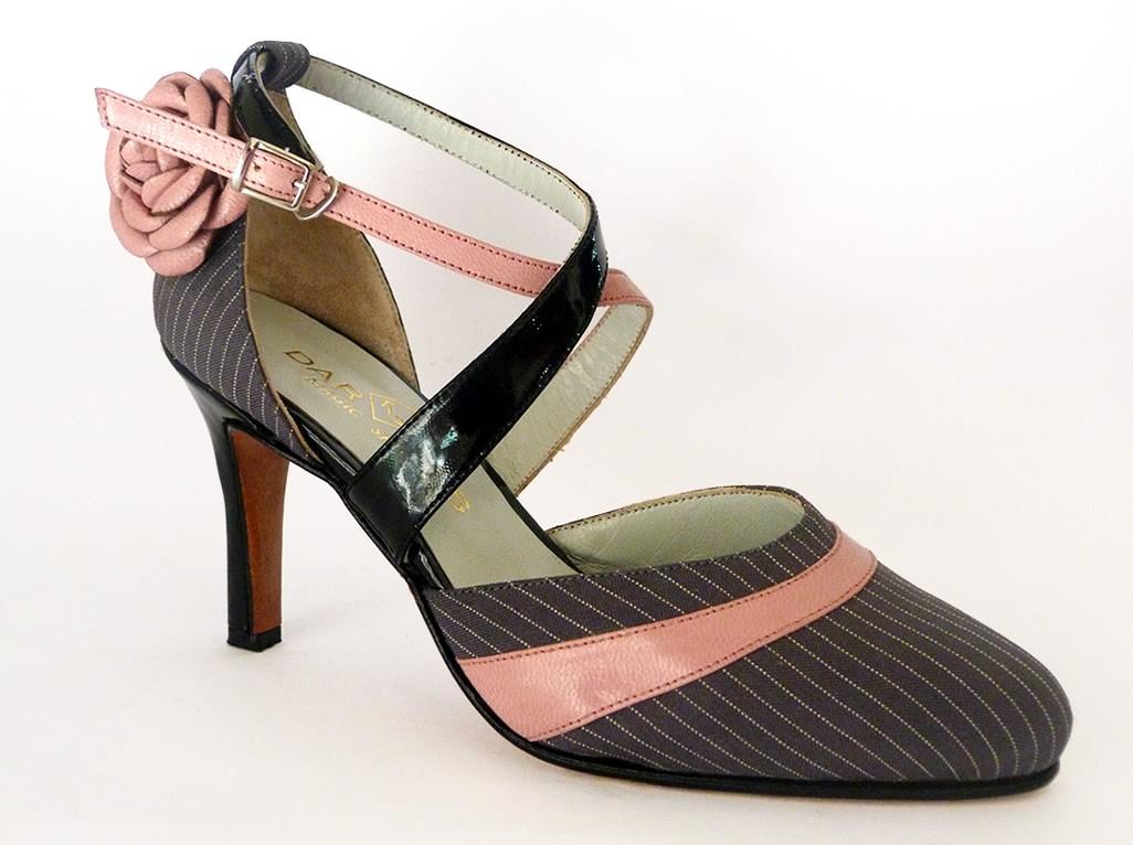 ac2323e55e Agora que já sabem quais são os melhores sapatos para bailar e já puderam  escolher o modelo que mais combina com seu estilo